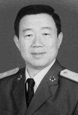 资料图:广州军区司令员徐粉林。