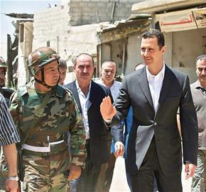 叙利亚总统阿萨德视察政府军队 叙利亚总统誓言将在与美国对抗中