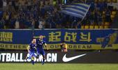 中超图:阿尔滨3-0卓尔 周通与凯塔庆祝