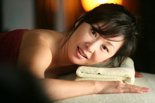 凭裸走红韩国性感女神 搜狐女人