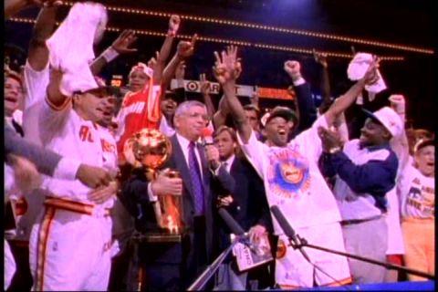 2、火箭队队史首次夺冠 亚历山大成为火箭队老板后,接下来的1993-
