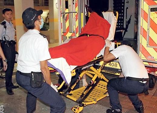 家中产女的18岁姓陈姓少女,诞下女婴后由警员安排送院。来源 香港《明报》