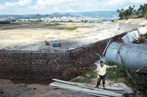 """""""7・23""""爆炸案发生后,项目部的所有工程已经停工 杨帆"""