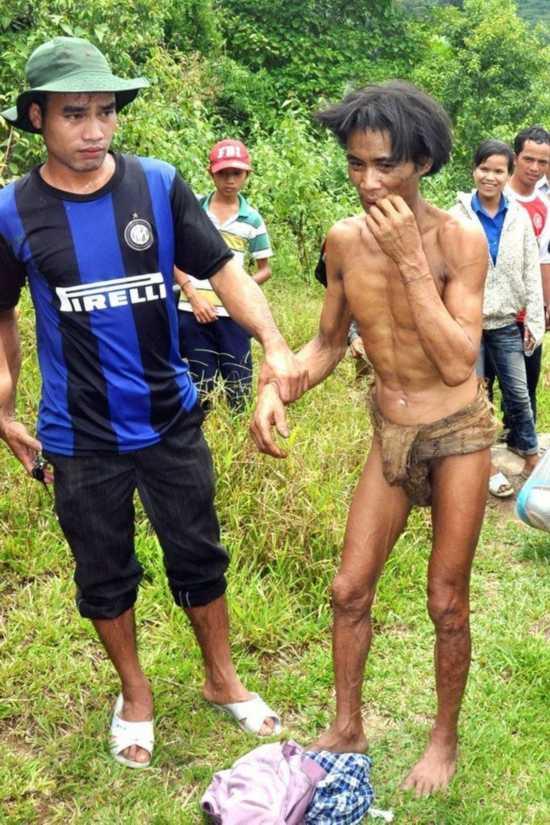 越南一对父子为躲越战森林隐居40年(组图)