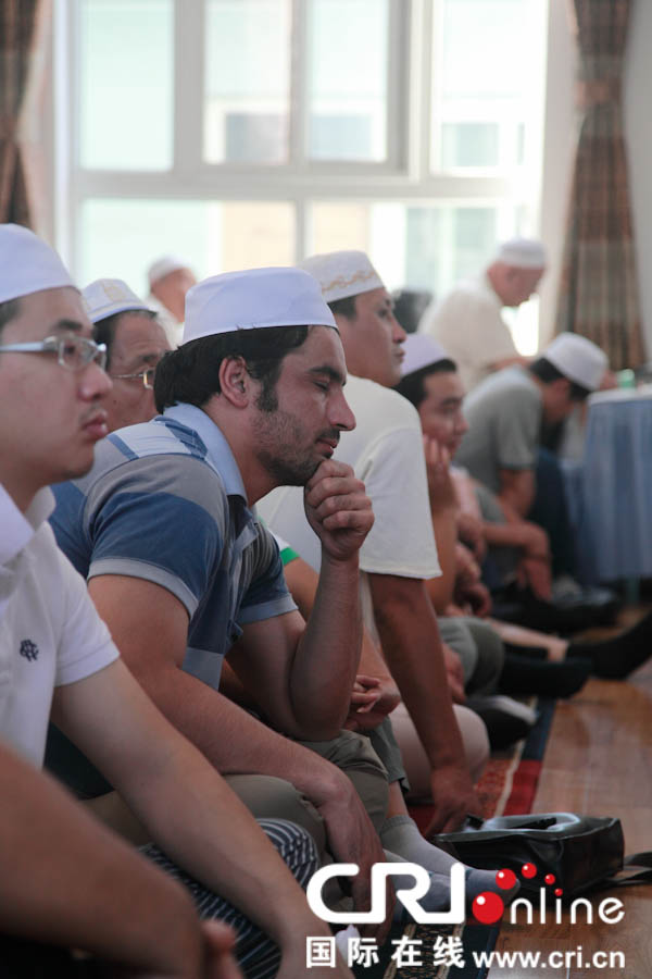 阿富汗在华工作人员与中国穆斯林一起欢度开斋节