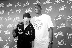 周杰伦和NBA球星科比。