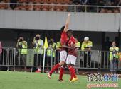 中超图:恒大3-0阿尔滨 穆里奇埃神拥抱