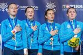 图文:世锦赛女佩团体乌克兰夺冠 赛后颁奖仪式