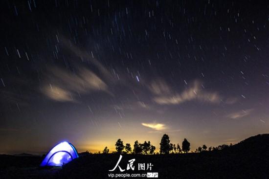 浙江 姜海/昨夜今晨,英仙座流星雨光临七夕,在这浪漫的时刻,触发了众多...