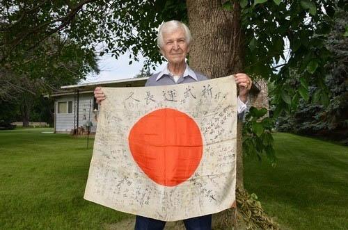 原文配图:来自美国现年92岁的原美军士兵Kennet。