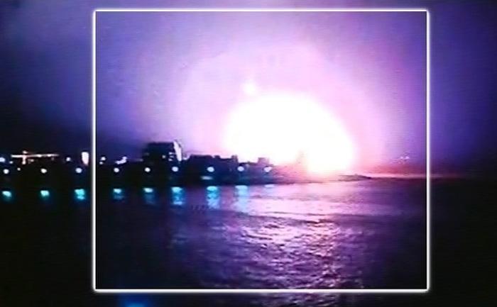 14日凌晨,一艘载有18名士兵的印度潜艇在孟买基地着火并沉没。