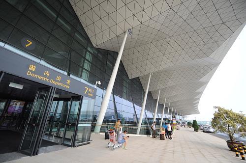 东北地区最大航站楼启用