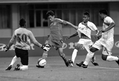 中国青少年足球形势也不容乐观 新华社发