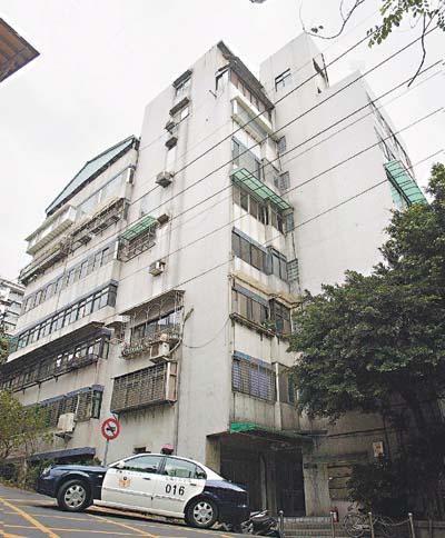 马英九在台北的家庭住址,大概是在5楼。马英九27年没搬过家!