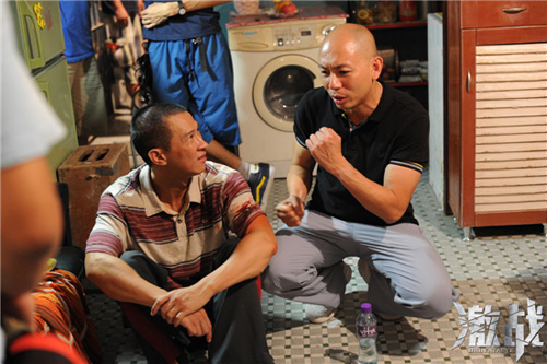 林超贤为张家辉讲解出拳的力道