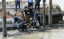 """印度""""辛杜拉克沙克""""号潜艇爆炸后现场"""