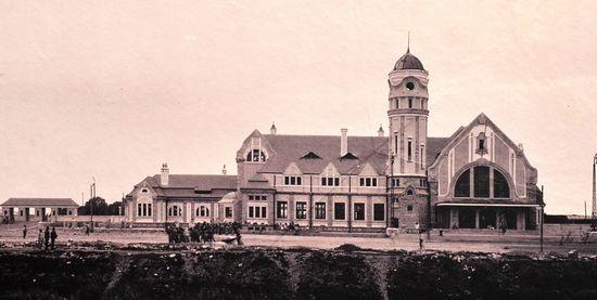 济南15亿复建20世纪初老火车站 专家:一蠢再蠢