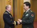 中美防长会晤 不避问题 增强互信