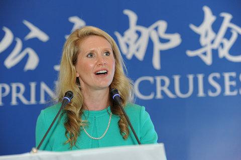 公主邮轮销售、市场营销和顾客服务执行副总裁珍•斯瓦兹(Jan Swartz)女士