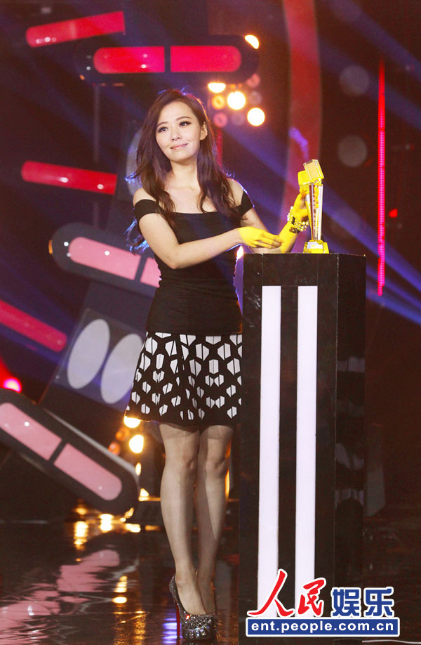人民网娱乐8月22日电(温璐)21日晚,2013《一声所爱・大地飞歌》冠军之