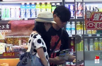 吴奇隆刘诗诗甜蜜逛超市