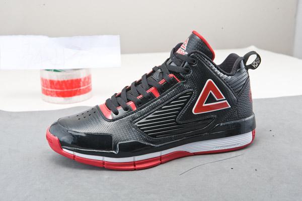 巴蒂尔8代球鞋发布 加强侧向稳定后跟包裹(图)