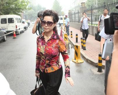 李天一案的杨女士_由海淀区人民检察院提起公诉; 李双江儿子李天一涉嫌强奸; 李天一案杨