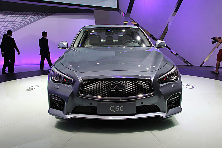 新世代豪华运动轿车英菲尼迪Q50亮相成都