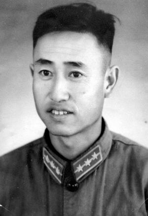 上世纪五十年代初徐志�x留影
