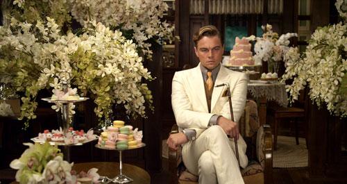 《了不起的盖茨比》:盖茨比坐立不安的等待五年前的情人出现
