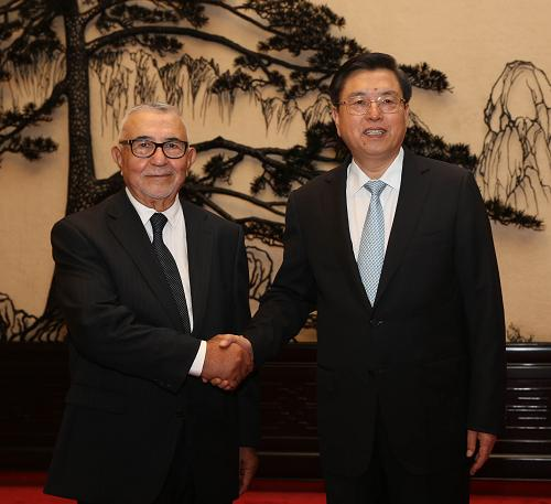 人民网9月3日电据外交部网站消息,日前,全国人大常委会委员长张德江在人民大会堂与各国议会联盟主席拉迪举行会谈。