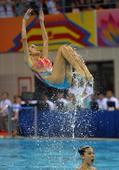 图文:花样游泳集体项目决赛 冠军广东队比赛中