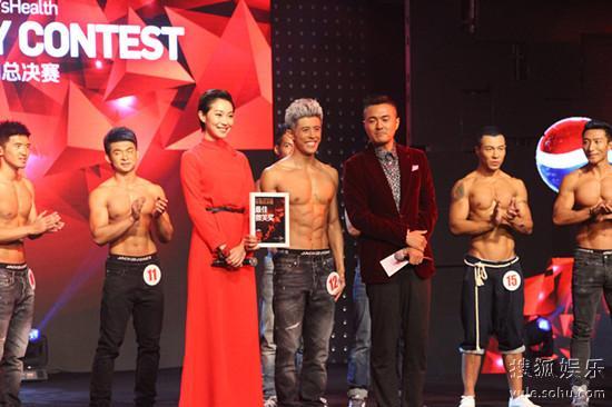 王佳佳、于小伟一起出席时尚活动
