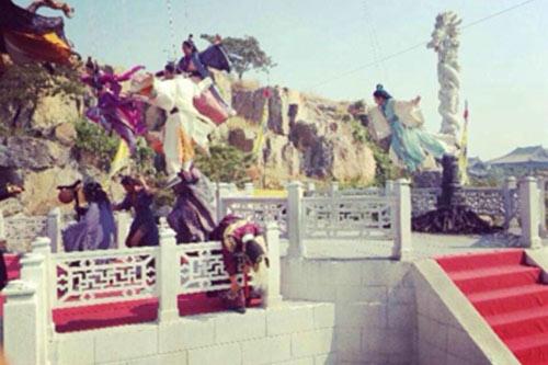 蓬莱八仙》正在山东紧张热拍中,该剧是一部以民间传说八仙故
