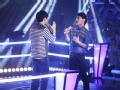 《中国好声音第二季片花》第九期 邓鼓VS余俊逸《天黑黑》