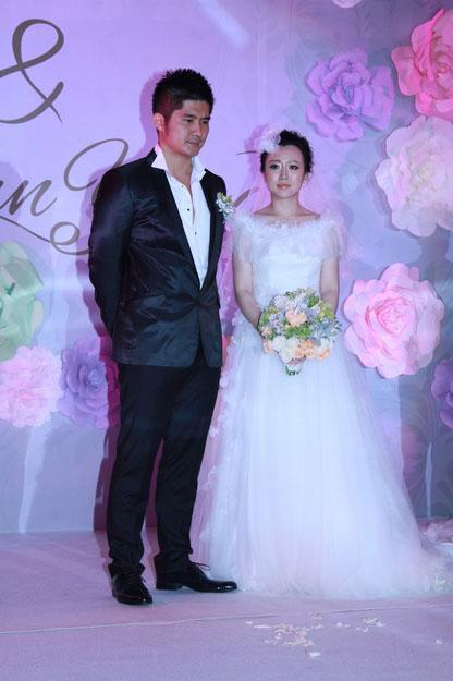 据悉,武石磊是香港人,出生于音乐世家,与钢琴家郎朗交好,比潘阳大5