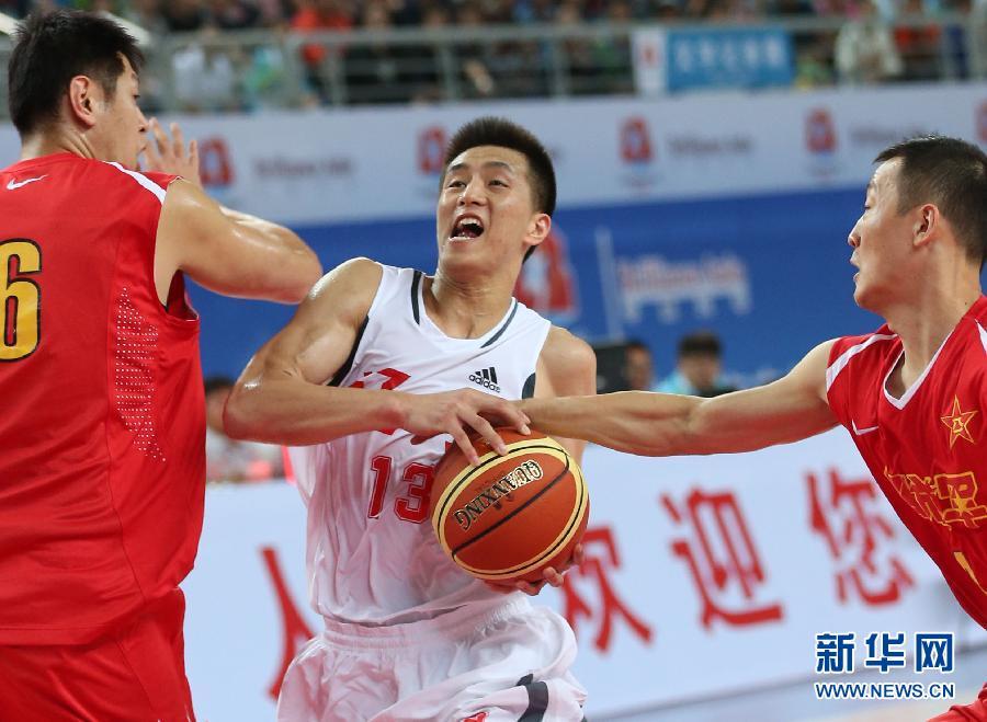 辽宁队篮球队员图片 宽900x659高