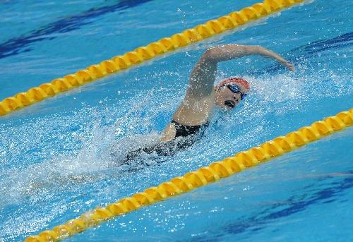 图文:女子200米个人混合泳 叶诗文自由泳图片