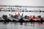 图文:瓦房店风平浪静 帆船四个级别风小而取消