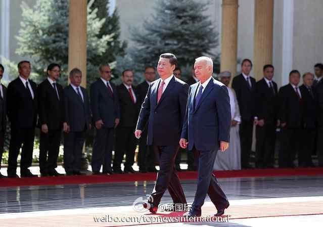 习近平:高水平互信是中乌关系发展最大资源