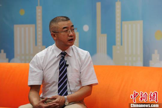 北京大学肿瘤医院党委书记、淋巴瘤科主任朱军10日做客中新网健康频道视频访谈间。中新网 张龙云 摄