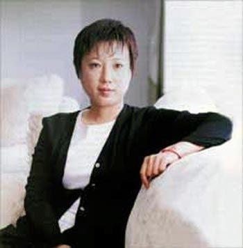 揭秘:中国17位身价过亿女富豪身世(组图)