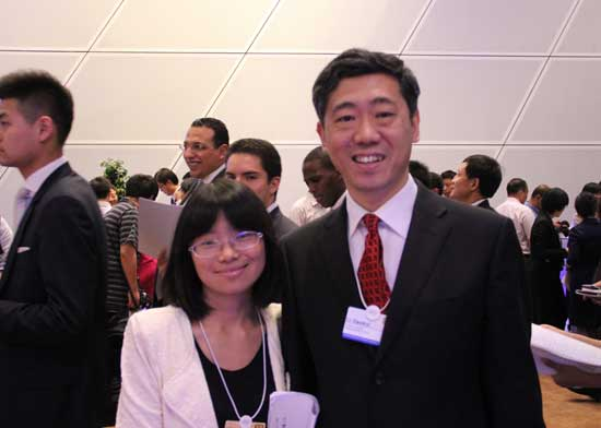 华大学教授李稻葵在论坛上接受了搜狐财经的专访