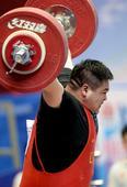 图文:举重男子105公斤以上级 于明秋获得季军