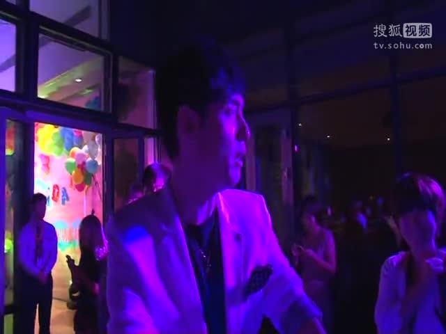 《小爸爸》庆功会 刘欢:拍摄中很多情节都是即兴