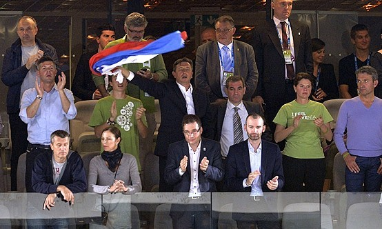 斯洛文尼亚总统助阵