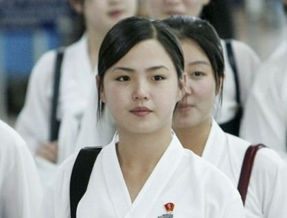 韩国《东亚日报》引用朝鲜一位消息灵通人士称,金正恩夫人李雪主的