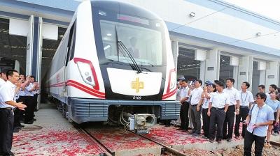 郑州/郑州地铁一号线从2009年6月6日开始动工,经历了4年多的建设,...