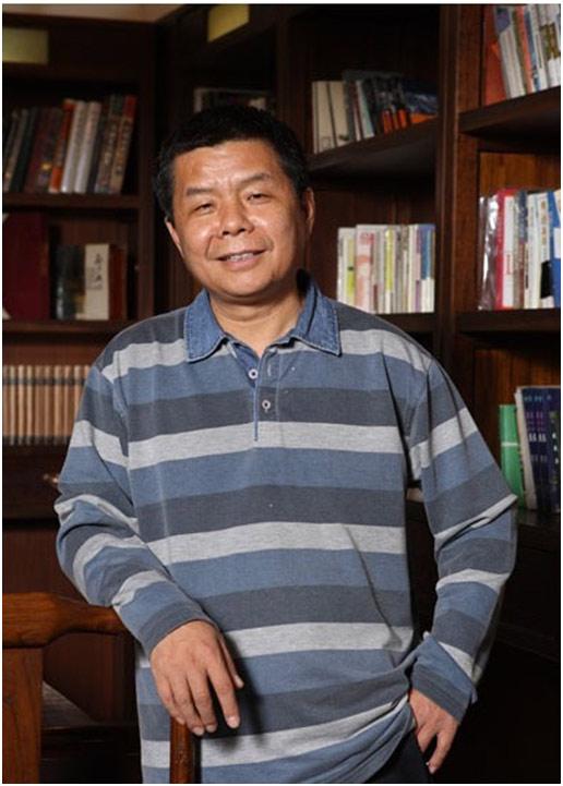 知名评论家、学者、近代史研究者、作家解玺璋