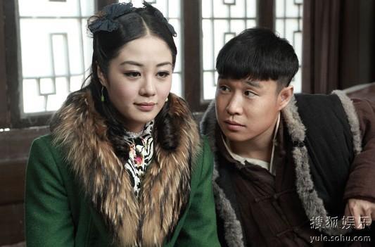 上演屌丝逆袭女神戏码   小沈阳饰演的贾九只是一个小伙计,但是他对